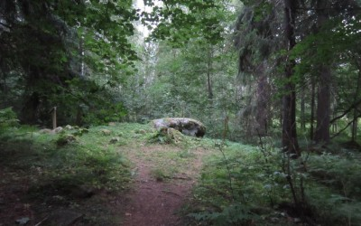 Hiisienpäivä kunnioittaa suomalaisten etnisen uskonnon pyhiä paikkoja