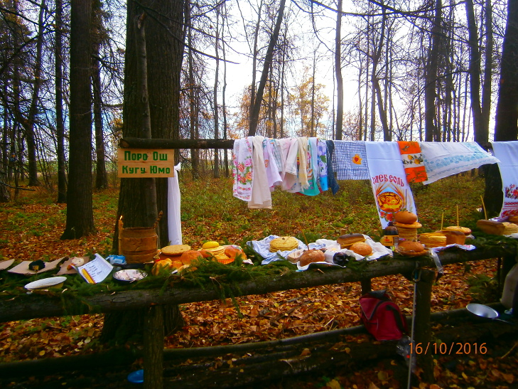 Kuvareportaasi: Marimaalla järjestettiin syysjakson viimeinen palvelus