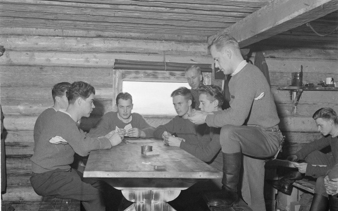 Tarina miesten kortti-illasta