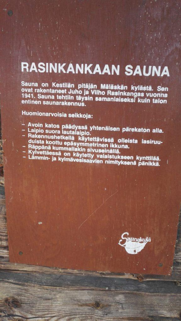 Rasinkankaan sauna, jota Taivaannaulan väki oli mukana kunnostamassa jo edellisellä kesäleirillä 2016.