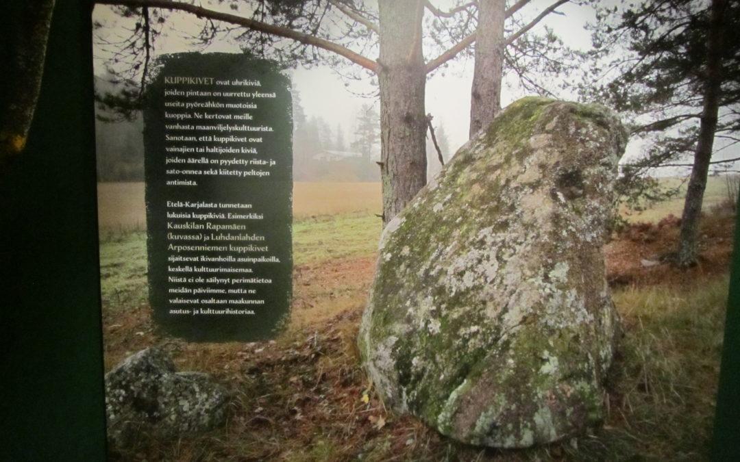 Pyhien paikkojen näyttely Etelä-Karjalan museossa